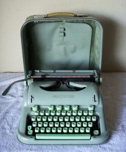 Hermes 3000 portable typewriter Sea Form Green