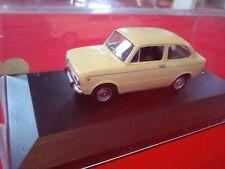 Voiture solido 1/43 en boîte vitrine neuve Fiat 850 de 1969
