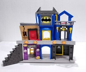 Imaginext Fisher Price DC Super Friends Batman Gotham City Joker Bank Playset