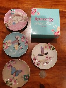 ACCESSORIZE HOME WITH LOVE - PETIT FOUR PLATES BOXED SET OF FOUR CAKE PLATES