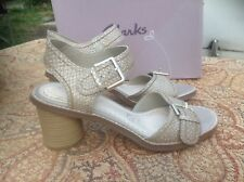 Brand New Clarks Somerset Beige Glasier Cool Metalic Leather Sandals Size UK 4.5