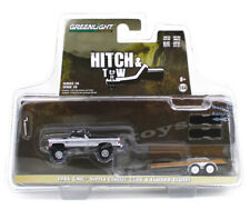 1:64 GreenLight *HITCH & TOW 20* 1986 GMC Sierra 2500 w/Flatbed Car Trailer NIP