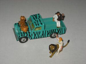 Corgi Toys Gift Set 7 Daktari Set Land-Rover With All Figures Excellent Loose