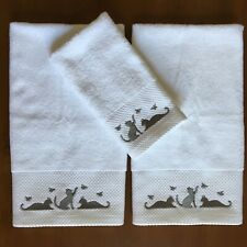 Casaba White Towel Set Embroidered Gray Cats Kittens 2 Hand 1 Fingertip NEW