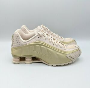 Nike Shox R4 Women's Size 8 Guava Ice Gold Shoes AR3565-800