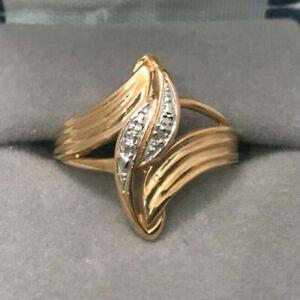 WOMEN'S 10KT GOLD DIAMOND CHIPS RING SIZE 7