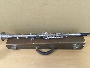 Siour Robert Paris Clarinet with Case - Tarnished Metal
