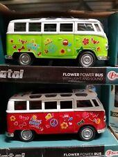Samba Bus VW Bulli T1 mit Licht, Sound, Rückzugmotor, Flower Power rot  17 cm
