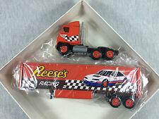 REESES RACING Truck Diecast Tractor Trailer 1:64 &AAA