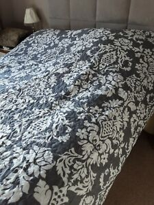 Bn Double Bed Quilted Throw