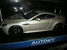 1:18 Autoart Aston Martin V12 Vantage S 2015 Meteorite silver Nr. 70251 in OVP