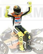 Valentino Rossi figure sitting 2002 World Champion Mot 1:12 MINICHAMPS 312020046