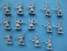 14 figurines en plomd 15 mm : indigènes
