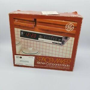NIB GE Spacemaker Kitchen Companion AM/FM Clock Radio Model 7-4217A Hong Kong