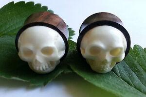 1 Pair Organic Hand Carved 3D Skull Bon Inlay Sono Wood Ear Plugs Tunnels Gauge