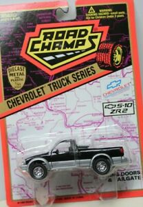 ROAD CHAMPS - CHEVROLET S-10 ZR2 PICKUP - BLACK - 1/43rd SCALE - BLISTER CARDED