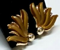 Vintage Bronze Brown Moonglow Thermoset Feather Flower Clip Earrings Gold Tone