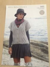 "Sirdar BIG BAMBOO Donna V-Neck Cardigan Knitting Pattern 9485 Taglie 32-54"""
