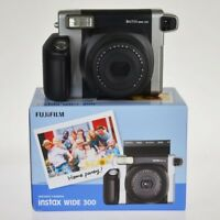 Fuji Instax Wide 300 l'alternativa a polaroid da Fujifilm - instantstore
