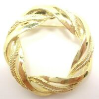 VINTAGE 1980s GERRY'S GOLD TONE METAL CIRCLE TEXTURED FEATHER WREATH BROOCH PIN