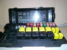 Land rover discovery 2 TD5 ou v8 sous capot moteur principal boîte à fusibles YQE000300 11B
