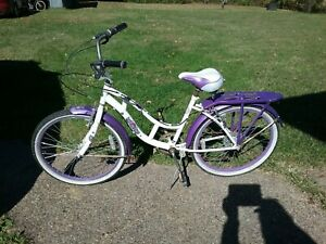 Huffy Cranbrook 26 inch Cruiser Bike with Perfect Fit Frame for Women - White