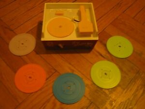 FISHER PRICE MUSIC BOX RECORD PLAYER  #995 w/5 RECORDS:Works Well