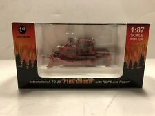 International IH TD-25 Dozer w/Ripper 1/87 Scale First Gear 80-0307 RED