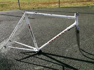 Cadre de vélo course Peugeot PV10 Super Compétition à rénover , Reynolds 531