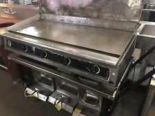 Star Ultra-Max 60in Snap Action Propane Gas Griddle With Cover On Wheels