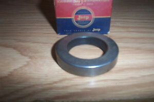 NOS JEEP 1954-73,FORD BRONCO,ECONOLINE 1966-76 OUTPUT SHAFT OIL SEAL #923896
