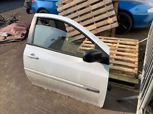 2009 Renault Clio Mk3 White Drivers Right Complete Door 3dr Offside