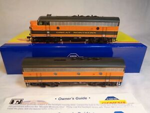 HO Scale Athearn Genesis Great Northern F-3A, F3B Phase 4 Diesel Engine Set