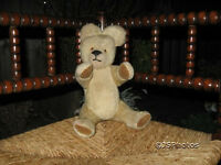 Antique 1950s UK Beige Mohair Teddy Bear Jointed Wood Fibers Glass Eyes 13 Inch
