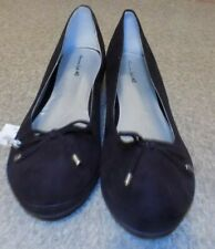 AMERICAN EAGLE WOMENS SIZE 6 FAUX SUEDE BLACK WEDGE HEEL