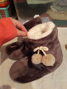 Grey Boot Slippers.  Size 3-4?
