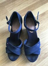TOMMY HILFIGER NAVY BLUE SUEDE PLATFORM SANDALS SIZE 7.5 US - PREOWNED