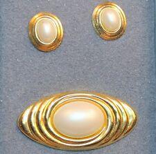 Vintage Faux Pearl Gold Tone Brooch Pierced Earring Set Demi