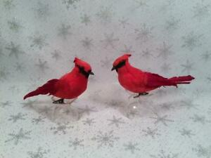 PAIR OF 2 RED FEATHERED BIRD CARDINALS CLIP ON CHRISTMAS  ORNAMENTS