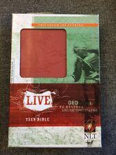 NLT LIVE Teen Bible: Rose Glimmer, Leatherlike