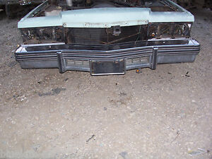 1978 1979 CADILLAC DEVILLE FLEETWOOD BROUGHAM FRONT BUMPER ASSEMBLY OEM USED
