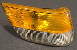 SAAB 900 Classic Right Front Turn Signal Parking Light Corner Lamp SPG OEM 87-94
