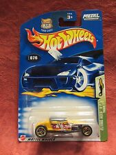 Hot Wheels  2003- 076  Track T  2 of 5  Yellow 1:64 scale  NOC  (11)  57213