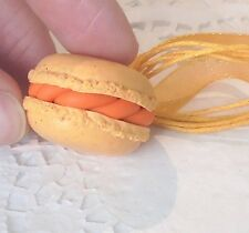 Collier Gourmand Maxi Macaron Orange en Fimo idée cadeau unique + sachet tulle