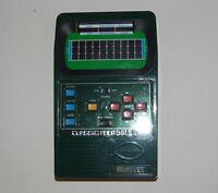CLASSIC FOOTBALL 2 MATTEL Football Handheld Game WORKS RARE Green 2002 R18974