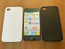 PERFORATED RIGID PLASTIC BACK CASE / COVER FOR APPLE iPHONE 4 - BLACK / WHITE