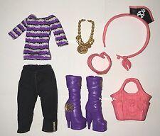 Monster High ShriekWrecked Shriek Mates Clawdeen Wolf Doll Outfit Boot Shoes NEW