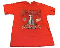 Vintage NHL Detroit Red Wings Hockey 1997 Stanley Cup Champions Roster T Shirt L