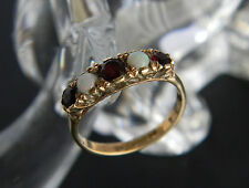 VINTAGE 9CT GOLD OPAL AND GARNET RING