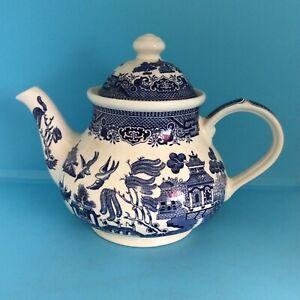Vintage Churchill England 18cm Teapot Blue & White Willow Pattern (jr)